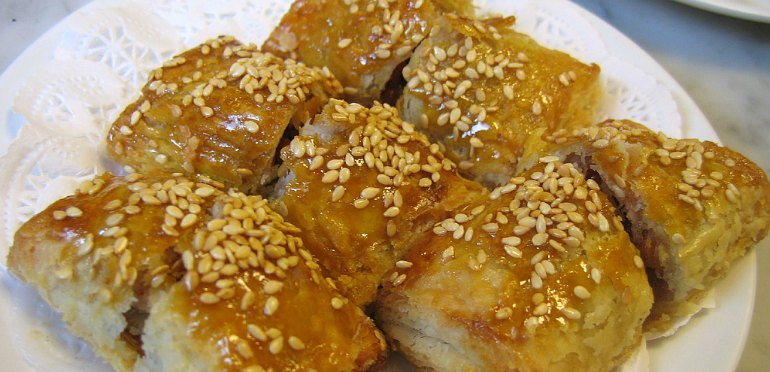 How to Make BBQ Pork Puffs